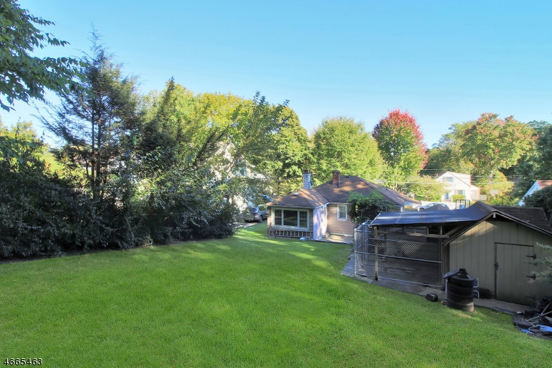 Additional photo for property listing at 590 Cliff Street  Ridgewood, New Jersey 07450 États-Unis