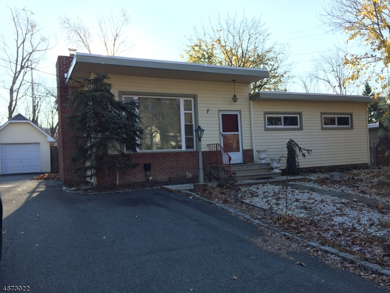 Single Family Home for Rent at 304 Central Avenue Caldwell, 07006 United States