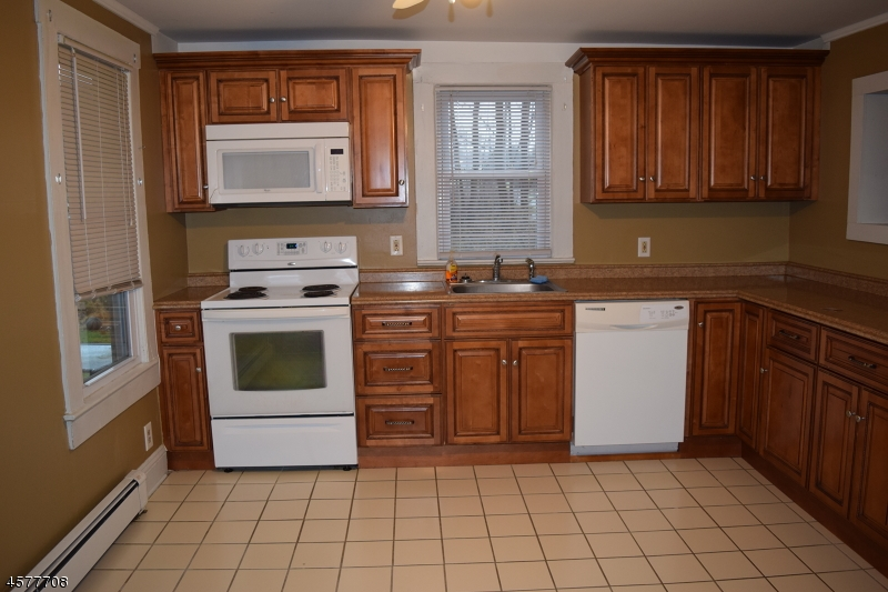 Additional photo for property listing at 149-151 State Route 183  Stanhope, Нью-Джерси 07874 Соединенные Штаты