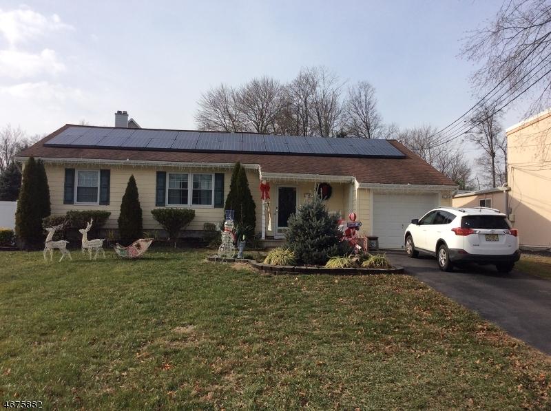 Maison unifamiliale pour l Vente à 610 South Main Street Manville, New Jersey 08835 États-Unis