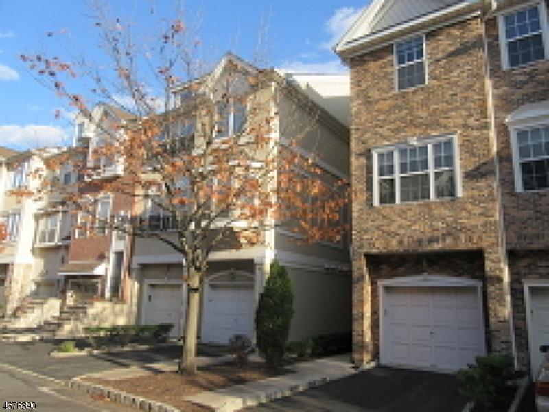 Maison unifamiliale pour l à louer à 21 Devonshire Drive Clifton, New Jersey 07013 États-Unis