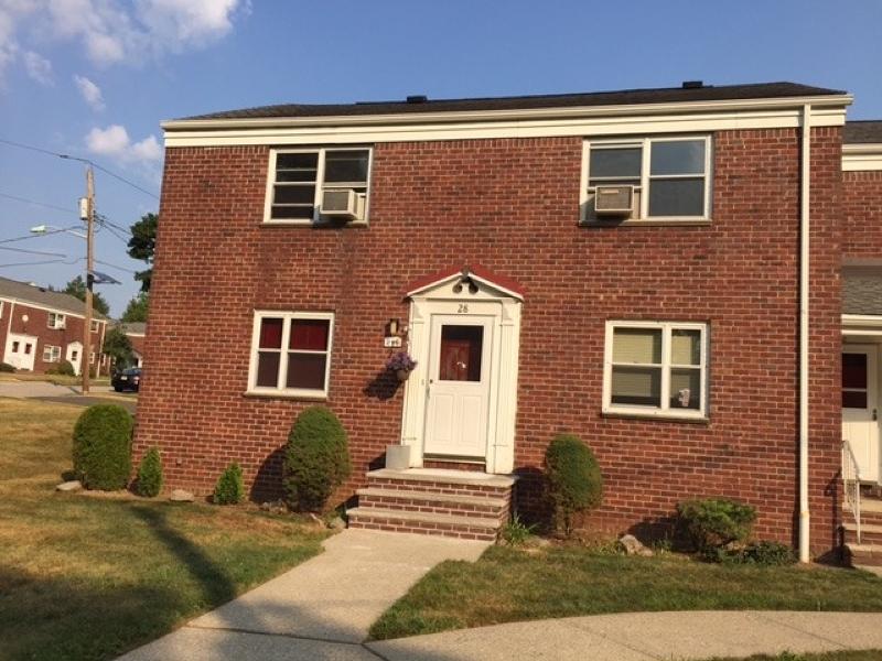 Maison unifamiliale pour l à louer à 296 Esplanade Hackensack, New Jersey 07601 États-Unis