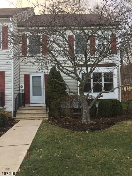 Частный односемейный дом для того Аренда на 56 N Aberdeen Drive Mendham, Нью-Джерси 07945 Соединенные Штаты