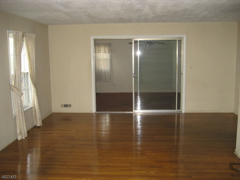 Additional photo for property listing at 126 Madison Avenue  Madison, New Jersey 07940 États-Unis