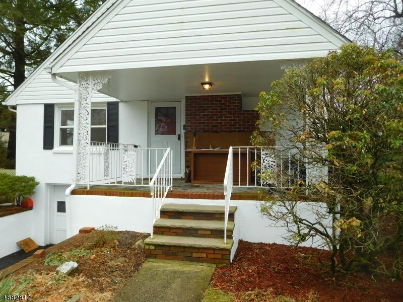 Casa Unifamiliar por un Alquiler en 502 Riverview Road Pompton Lakes, Nueva Jersey 07442 Estados Unidos