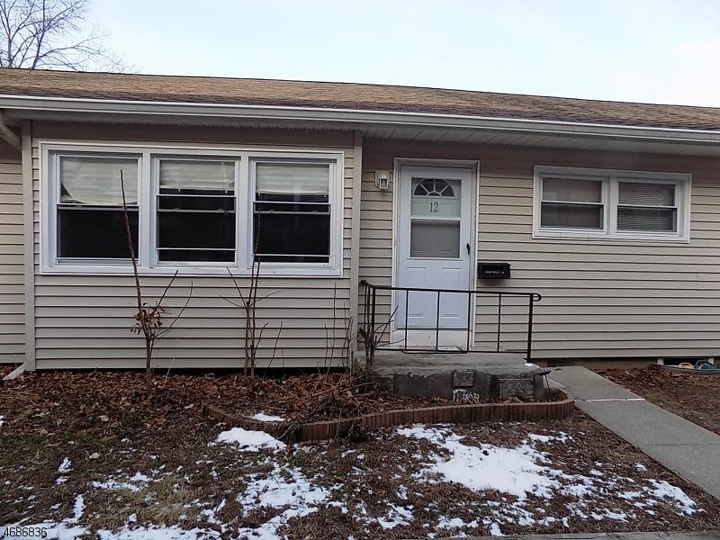Частный односемейный дом для того Аренда на 35 Carey Avenue Butler, Нью-Джерси 07405 Соединенные Штаты