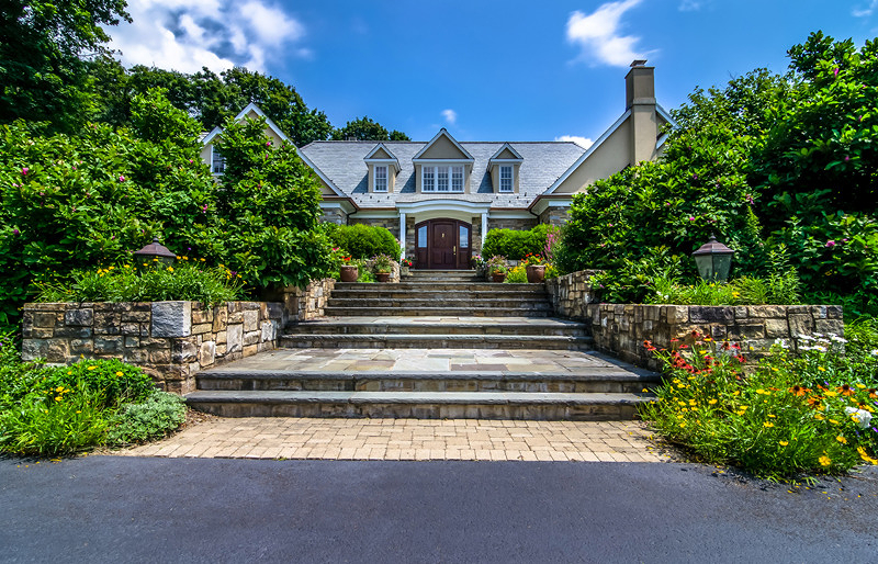 Single Family Home for Sale at 4 Cromwell Lane Mendham, 07945 United States