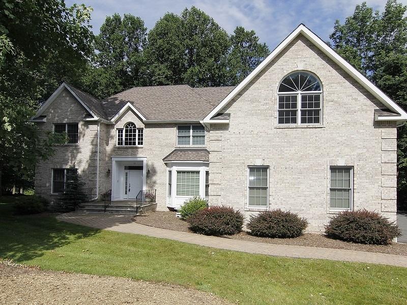 Частный односемейный дом для того Продажа на 69 Barbara Drive Randolph, 07869 Соединенные Штаты