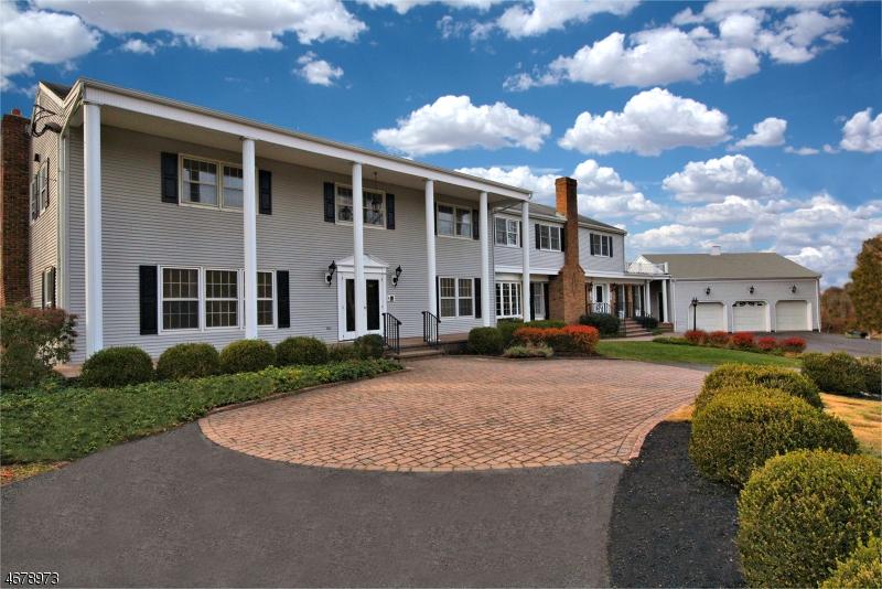 独户住宅 为 销售 在 16 Hiland Drive 希尔斯堡, 08844 美国