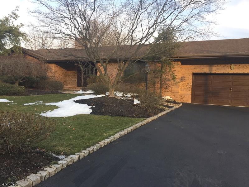 Частный односемейный дом для того Продажа на 16 Liberty Ridge Trail Totowa, 07512 Соединенные Штаты