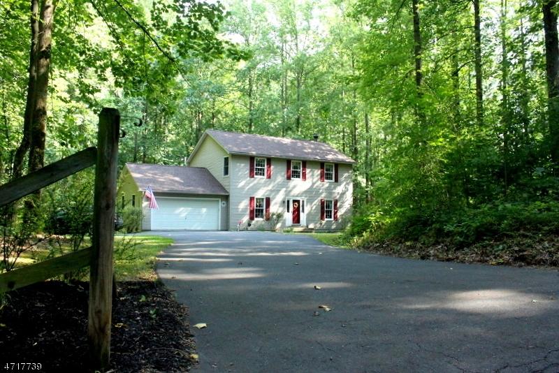Частный односемейный дом для того Продажа на 219 Buckley Avenue Oxford, 07863 Соединенные Штаты