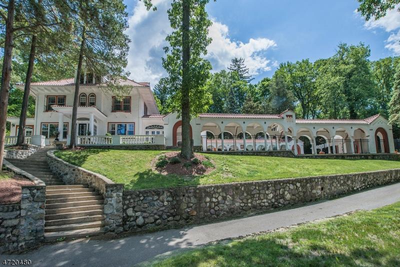 Maison unifamiliale pour l Vente à 50 LAKE Drive Mountain Lakes, New Jersey 07046 États-Unis