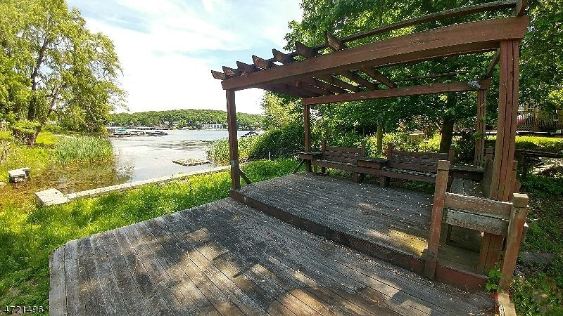 Additional photo for property listing at 457 Lakeside Blvd 457 Lakeside Blvd Hopatcong, Nueva Jersey 07843 Estados Unidos