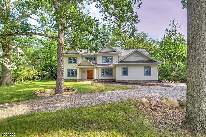 Maison unifamiliale pour l Vente à 129 Pollard Road Mountain Lakes, New Jersey 07046 États-Unis