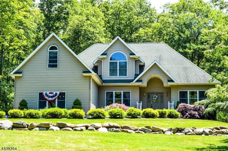 独户住宅 为 销售 在 12 Hardwick Road Hardwick, 新泽西州 07825 美国