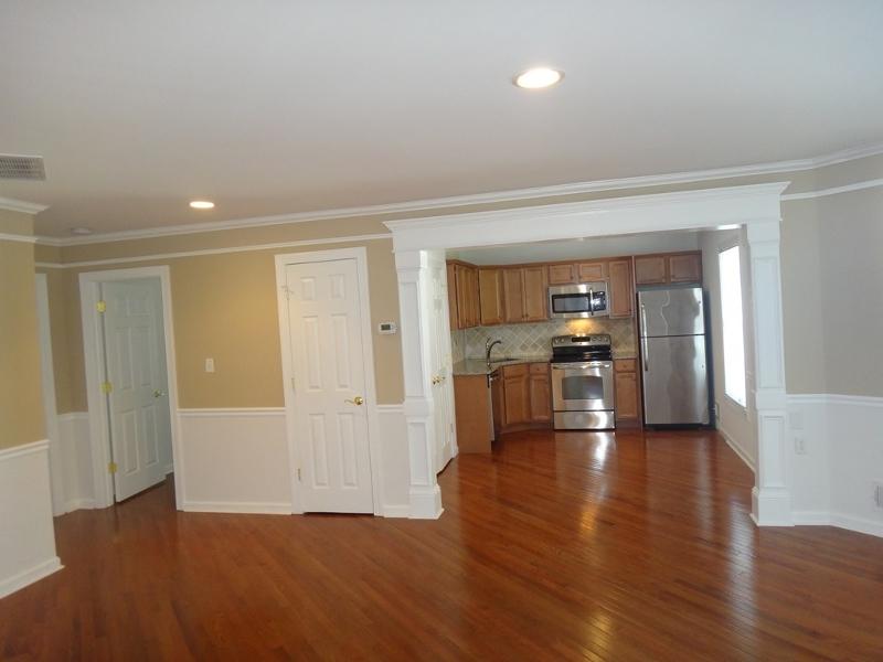 Maison unifamiliale pour l à louer à 141 Main Street South Bound Brook, New Jersey 08880 États-Unis