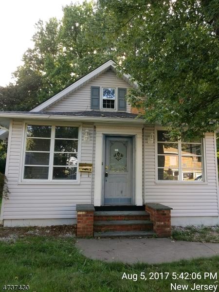 独户住宅 为 销售 在 403 Argenti Place 诺斯维尔, 新泽西州 07647 美国
