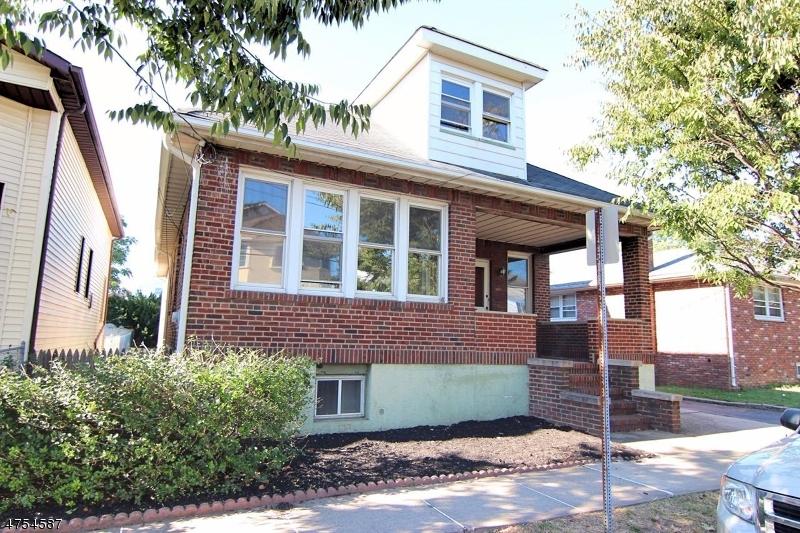 Mehrfamilienhaus für Verkauf beim 61 Salter Place 61 Salter Place Belleville, New Jersey 07109 Vereinigte Staaten