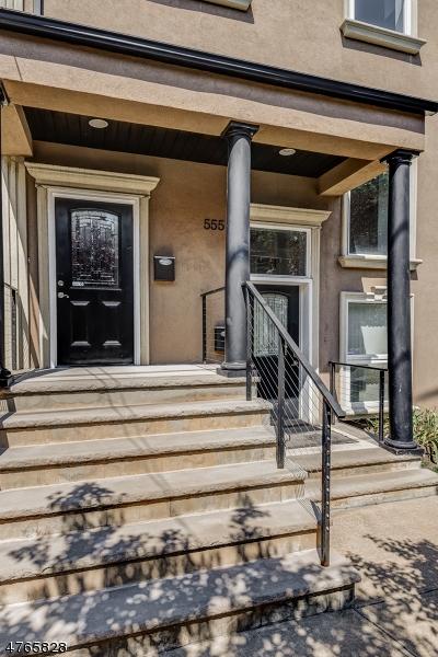 独户住宅 为 销售 在 555 Tremont Ave, 2 Orange, 新泽西州 07050 美国