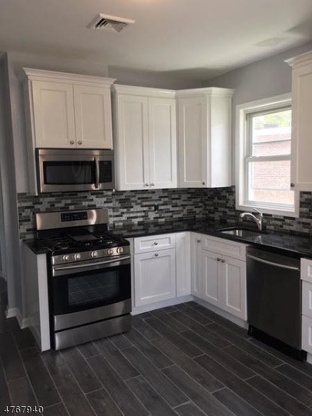 多户住宅 为 销售 在 411 Hickory Street Kearny, 新泽西州 07032 美国