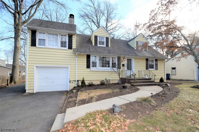 Single Family Home for Sale at 298 La Grande Avenue Fanwood, New Jersey 07023 United States