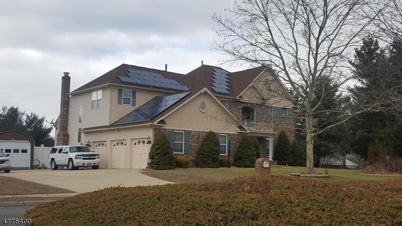 Maison unifamiliale pour l Vente à 2 Brandywine Drive Hainesport Township, New Jersey 08036 États-Unis