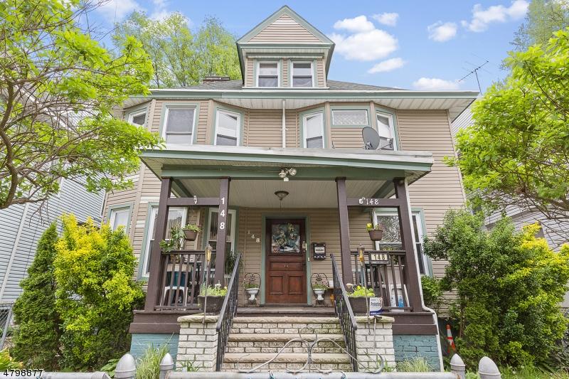 Maison unifamiliale pour l Vente à 148 N Essex Avenue Orange, New Jersey 07050 États-Unis