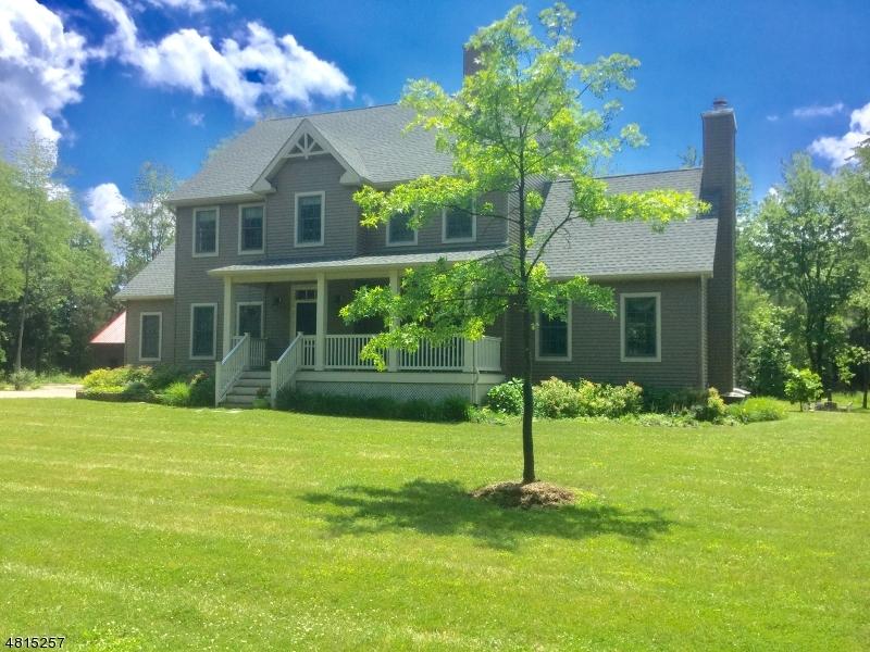 Частный односемейный дом для того Продажа на 43 FAIRVIEW Road Kingwood, Нью-Джерси 08825 Соединенные Штаты