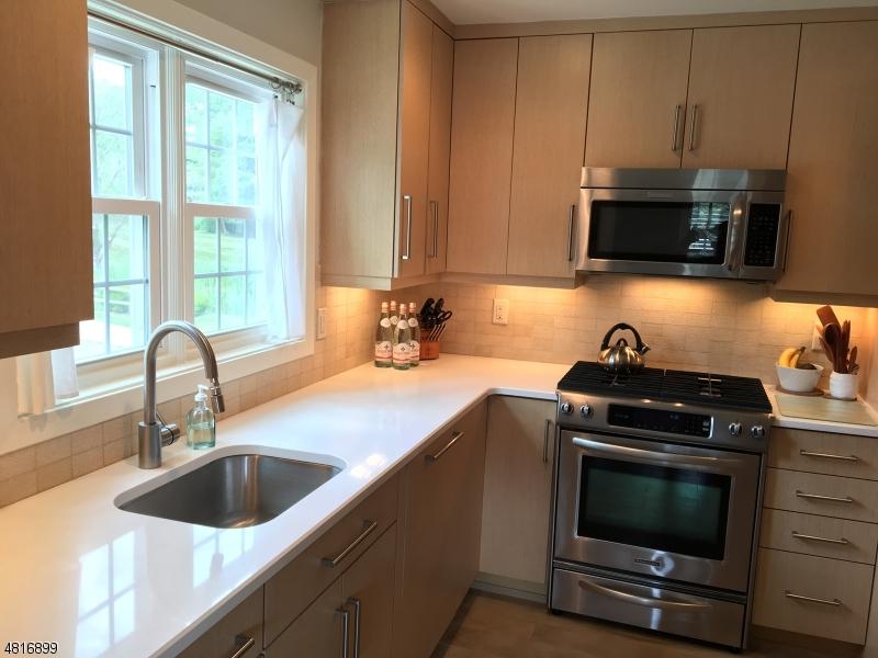 Кондо / дом для того Аренда на 23 Heritage Drive Chatham, Нью-Джерси 07928 Соединенные Штаты