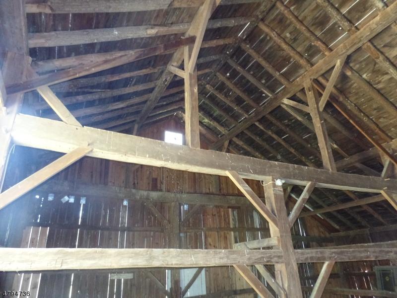 Additional photo for property listing at 902 Emmons LANE  Stillwater, 新澤西州 07860 美國