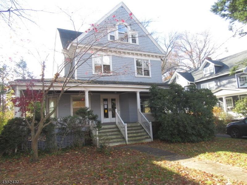 Maison unifamiliale pour l Vente à 392 TREMONT Avenue Orange, New Jersey 07050 États-Unis