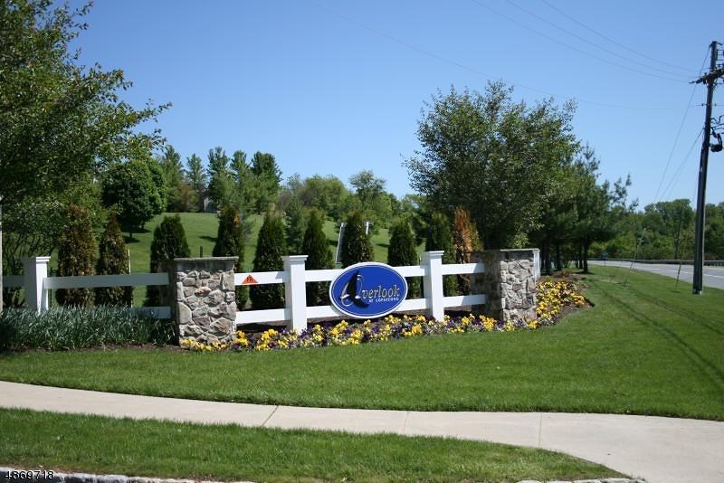 Condominio/ Casa de pueblo por un Venta en 258 BALD EAGLE Drive Lopatcong, Nueva Jersey 08886 Estados Unidos