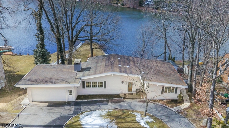 Single Family Home for Sale at 167 HIGH CREST Drive West Milford, New Jersey 07480 United States
