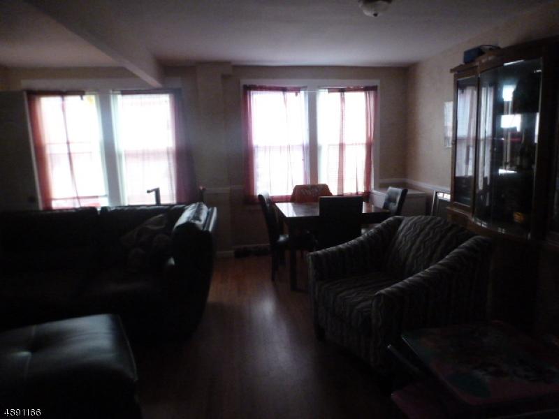 Multi-Family Homes pour l Vente à Union Township, New Jersey 07088 États-Unis