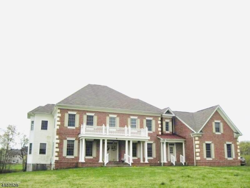 Single Family Homes för Försäljning vid Manalapan, New Jersey 07726 Förenta staterna