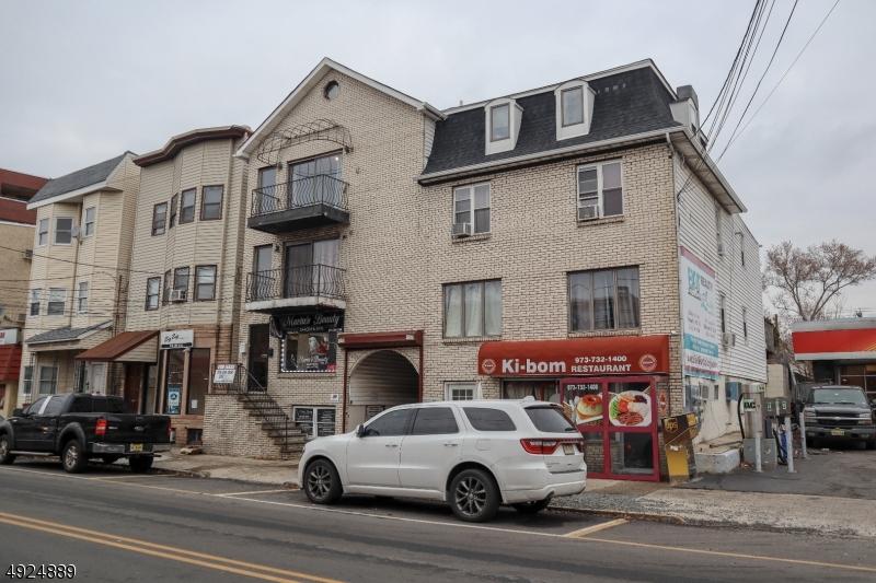 Property vì Thuê tại Newark, New Jersey 07105 Hoa Kỳ