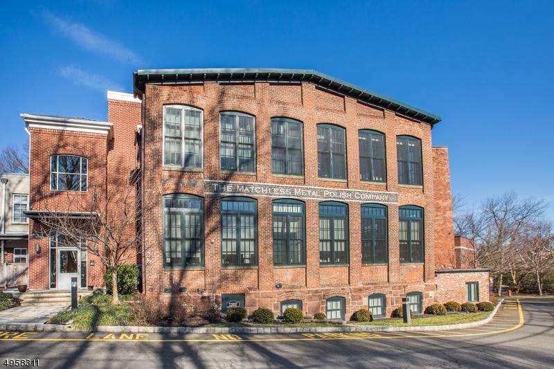 Condo / Radhus för Försäljning vid Glen Ridge, New Jersey 07028 Förenta staterna