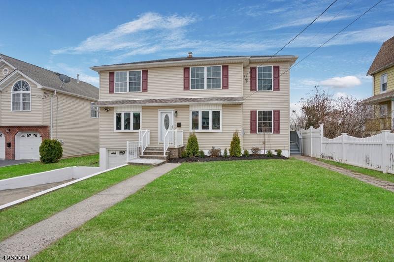 Single Family Homes для того Продажа на Kenilworth, Нью-Джерси 07033 Соединенные Штаты