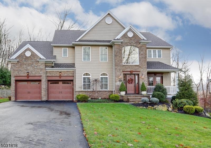 Single Family Homes pour l Vente à Mount Olive, New Jersey 07828 États-Unis