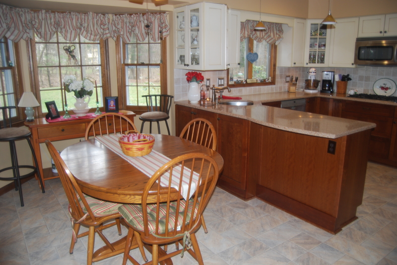 Additional photo for property listing at 24 Powhatatan Way  Hackettstown, Нью-Джерси 07840 Соединенные Штаты
