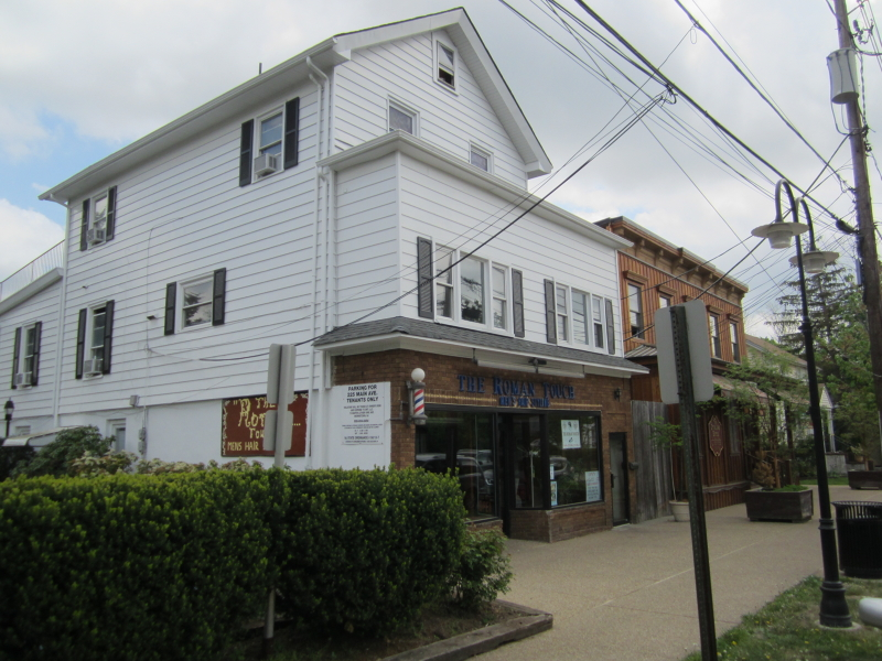 Additional photo for property listing at 225 Main Avenue  Long Hill, New Jersey 07980 United States