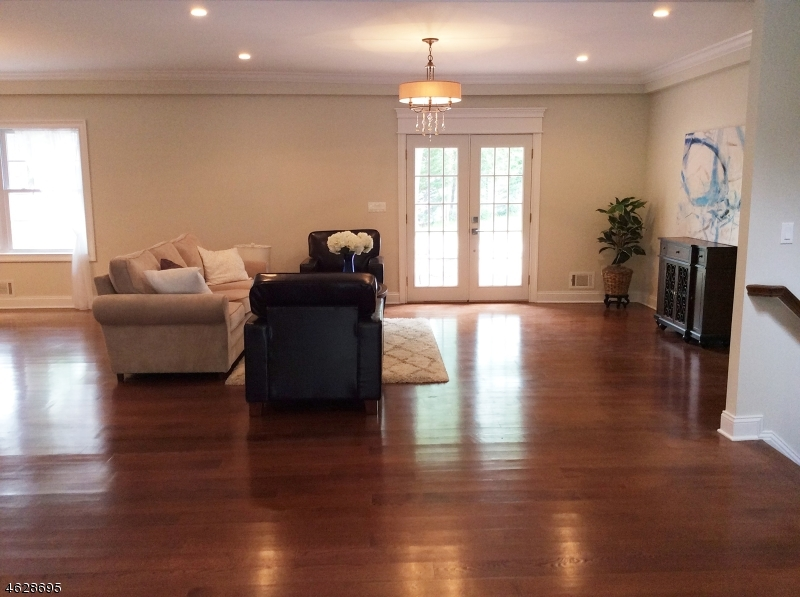 Additional photo for property listing at 27 STRATFORD DRIVE  Livingston, New Jersey 07039 United States
