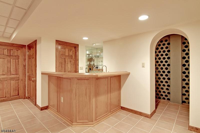 Additional photo for property listing at 8 Nottingham Way  Warren, Nueva Jersey 07059 Estados Unidos