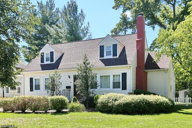 独户住宅 为 销售 在 19 Ferndale Avenue 格伦洛克, 07452 美国