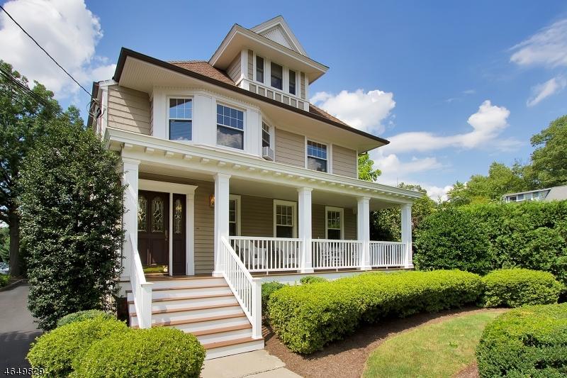 多户住宅 为 销售 在 319 Lenox Avenue 韦斯特菲尔德, 新泽西州 07090 美国