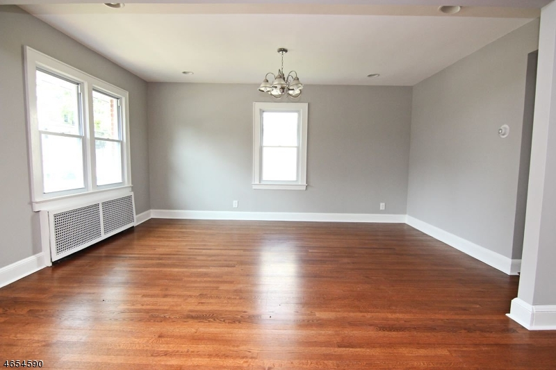 Additional photo for property listing at 46 Howard Street  Bloomfield, New Jersey 07003 États-Unis