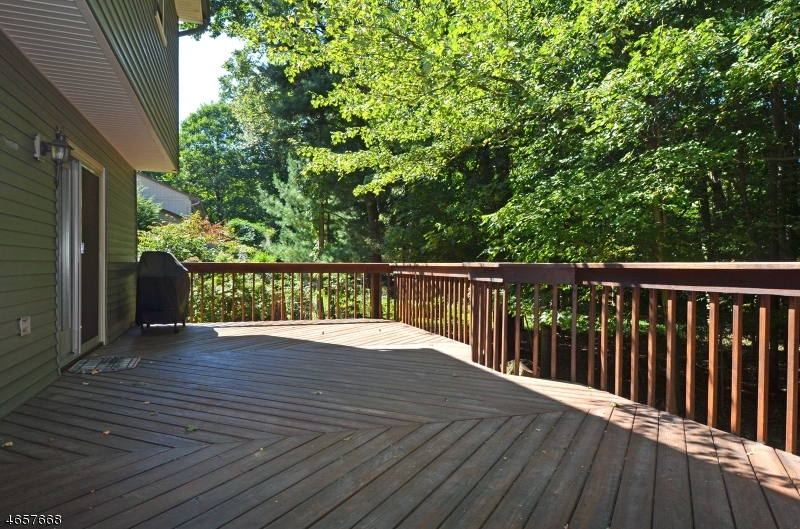 Additional photo for property listing at 11 Birchwood Lane  Ramsey, New Jersey 07446 États-Unis