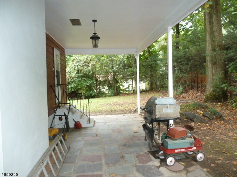 Additional photo for property listing at 44 Old Coach Road  Vernon, New Jersey 07462 États-Unis