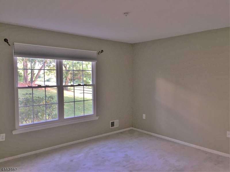 Additional photo for property listing at 82 Potomac Drive  Basking Ridge, Nueva Jersey 07920 Estados Unidos