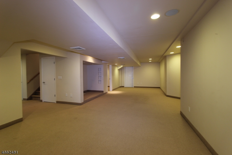 Additional photo for property listing at 12 Magnolia Lane  Warren, 新泽西州 07059 美国